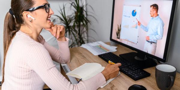 2021 wird ein großer Fokus auf virtuellen Events bei LinkedIn liegen. Quelle: Adobe Stock /Вадим Пастух